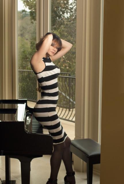 Female model photo shoot of DEDRA by Mykihl in Monte Sereno, CA