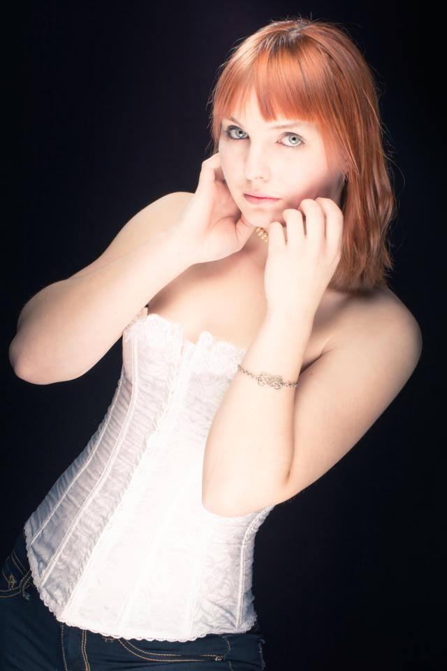Female model photo shoot of Miztic