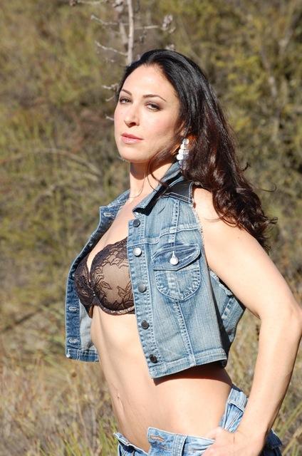 Female model photo shoot of Frenchy805