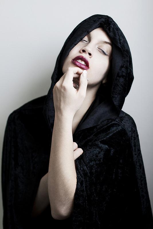 Jan 31, 2014 cassandra Carrie (http://www.facebook.com/officialcassandracarrie,) Terri Scherzinger Photography (http://www.facebook.com/scherzingerphotography) Hooded