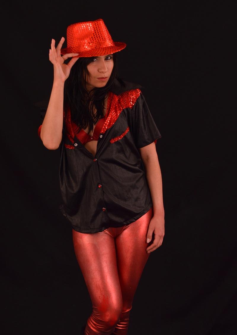 Female model photo shoot of Rachel Love