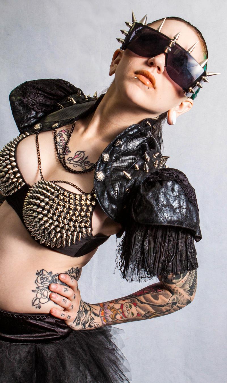 Female model photo shoot of ZOE in Main Street Studios, Dunedin, FL