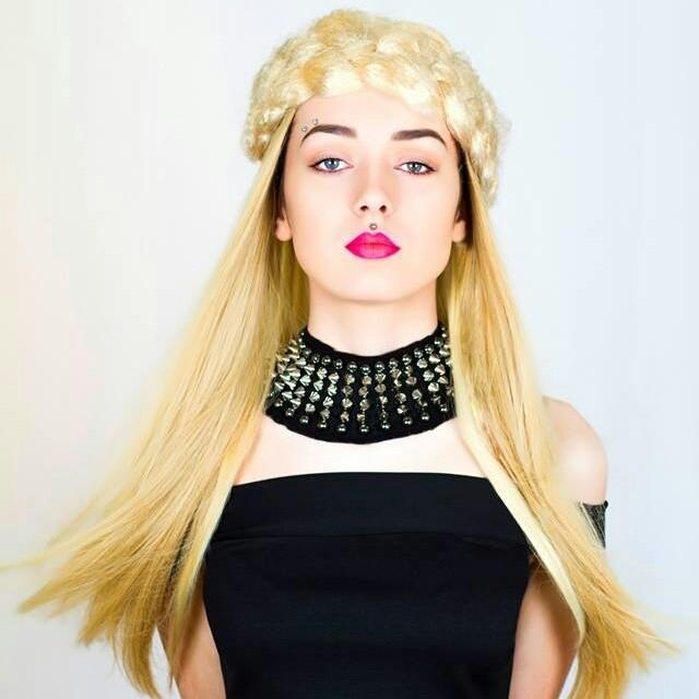 Female model photo shoot of ImogennBlack