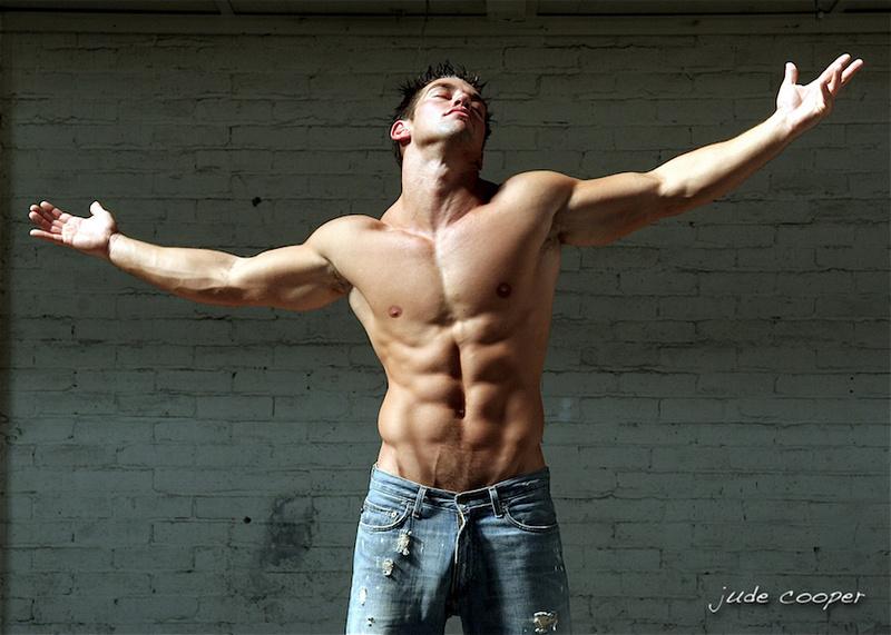 http://photos.modelmayhem.com/photos/140208/09/52f66ae1065bd.jpg