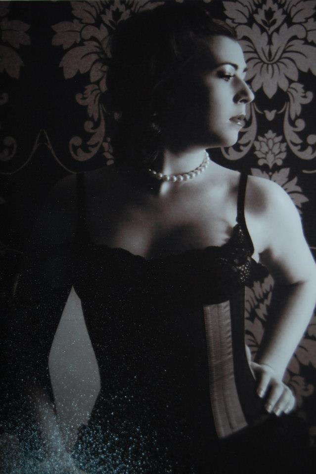 Female model photo shoot of Luna Ciele