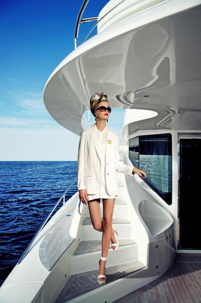 Female model photo shoot of Fashionablephotography
