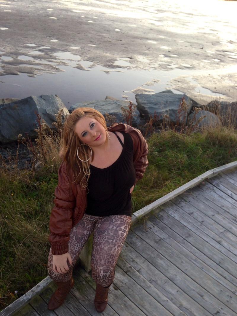 Female model photo shoot of NadineVictoriaSavelkoul