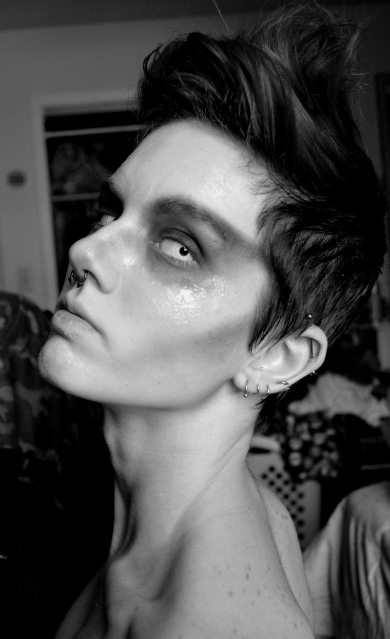 Female model photo shoot of Asch Hays