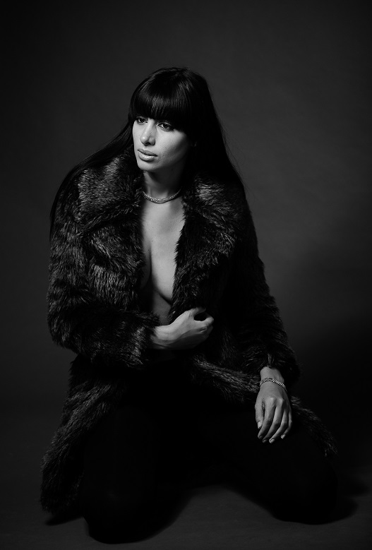 Female model photo shoot of Bianca Michelle