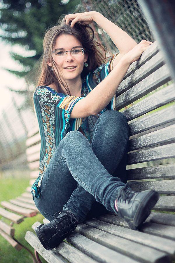 Female model photo shoot of Enethen