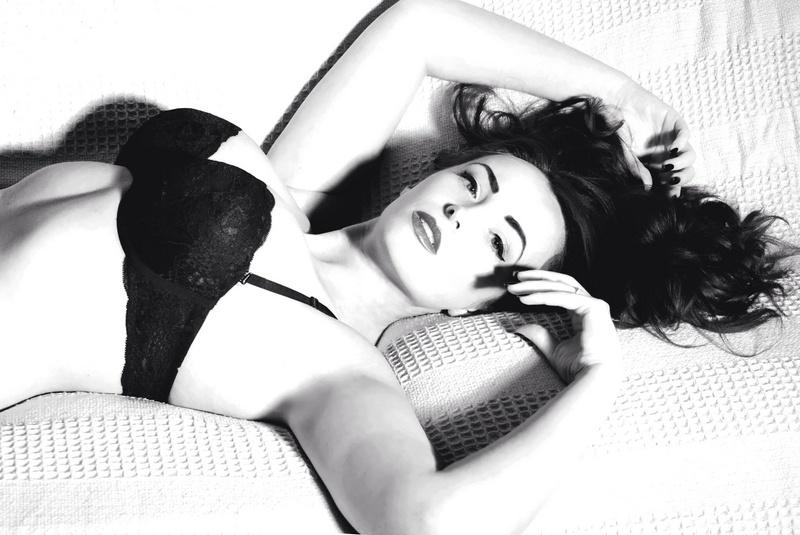 Female model photo shoot of Jen-Marie17