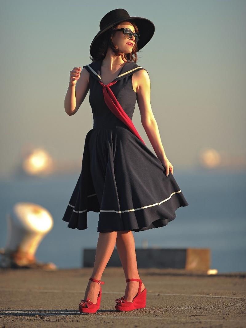 Female model photo shoot of iamaaashley in Embarcadero, San Francisco
