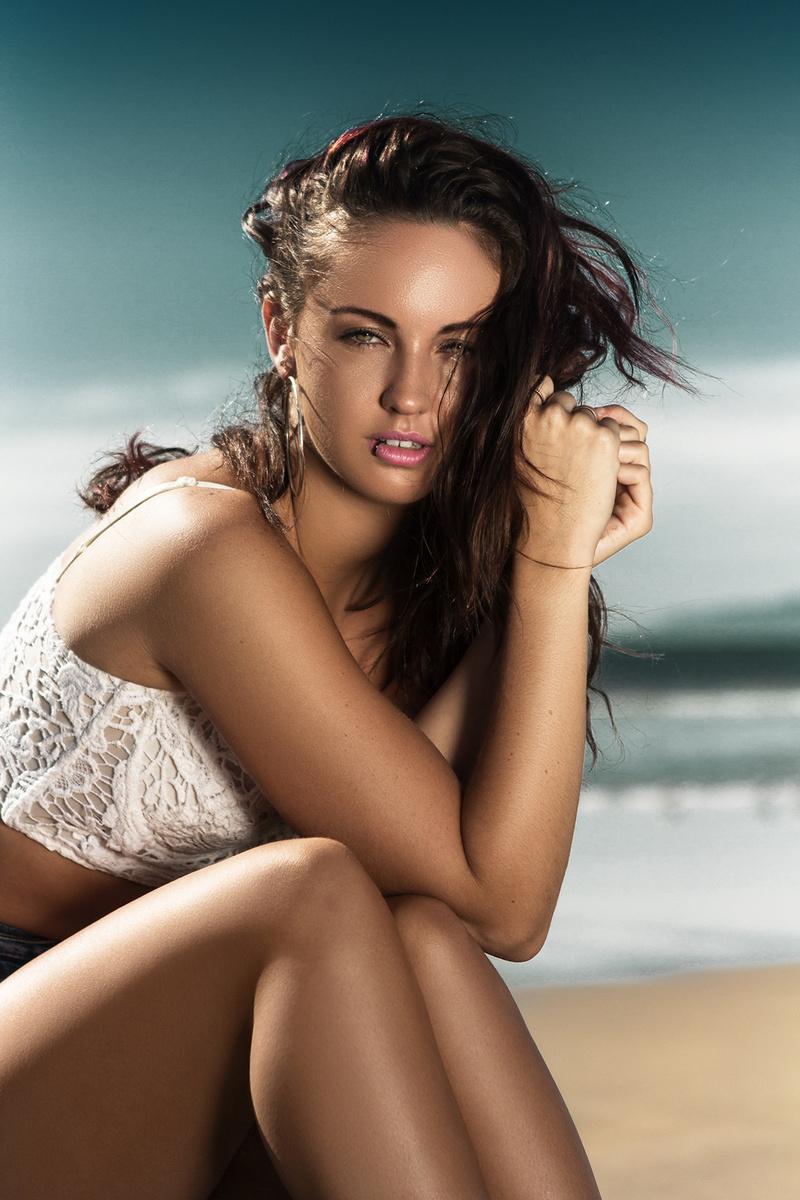 http://photos.modelmayhem.com/photos/140317/11/5327461ee5f0c.jpg