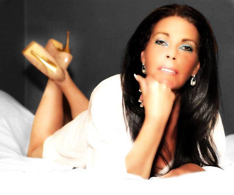 Female model photo shoot of loraine br