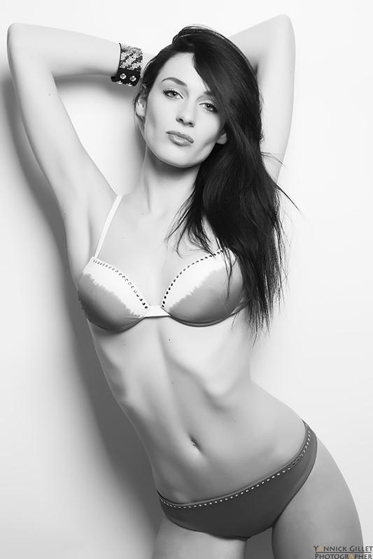 Female model photo shoot of laura vaiser