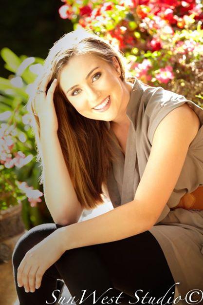 Female model photo shoot of Hannah_Michalak