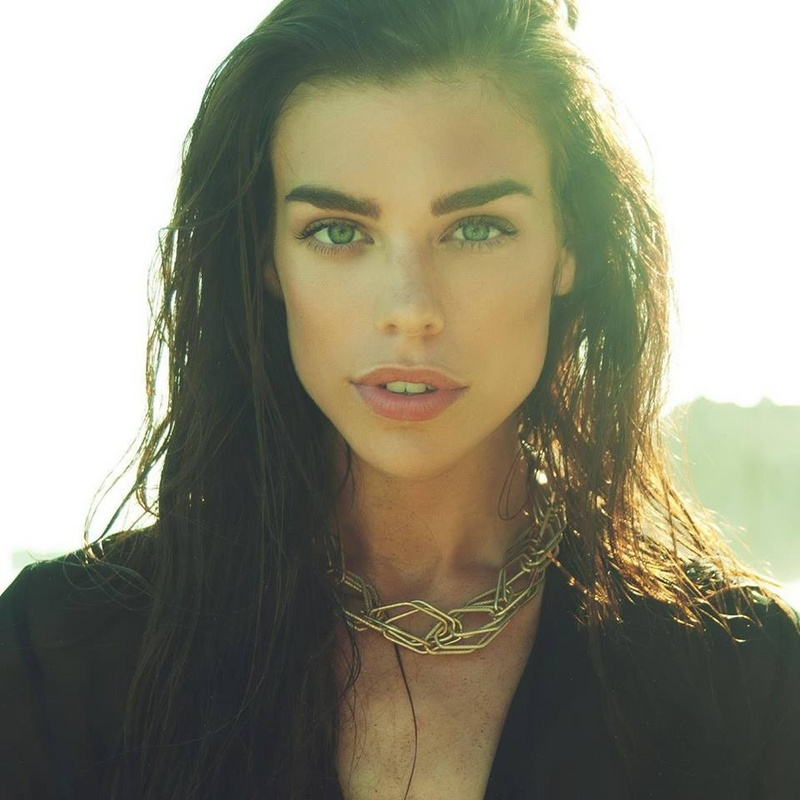 Female model photo shoot of Raina Hein