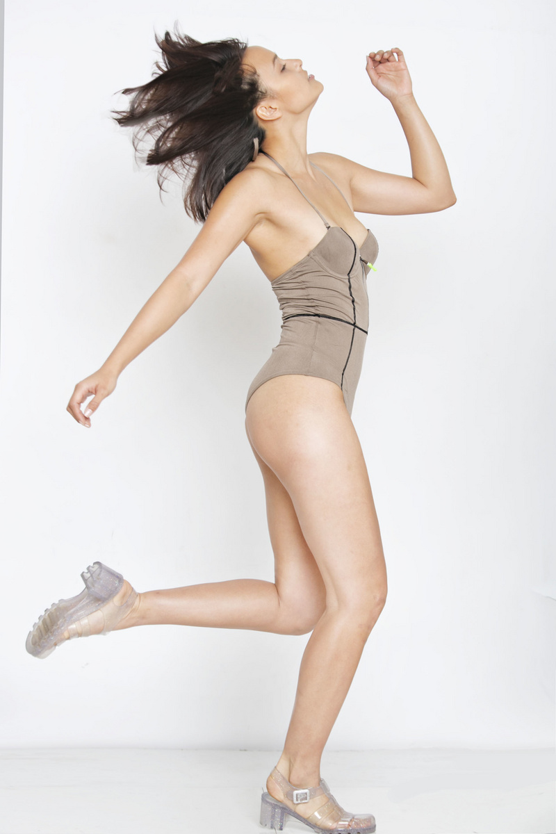 Female model photo shoot of Myla Mae by Photomezzo