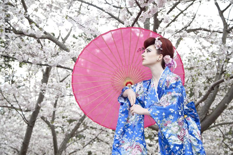 http://photos.modelmayhem.com/photos/140403/12/533dbc56ed1c2.jpg