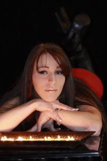 Female model photo shoot of delleah