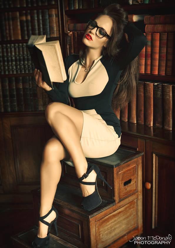 Female model photo shoot of Lareina Slight in Ardgillan Castle