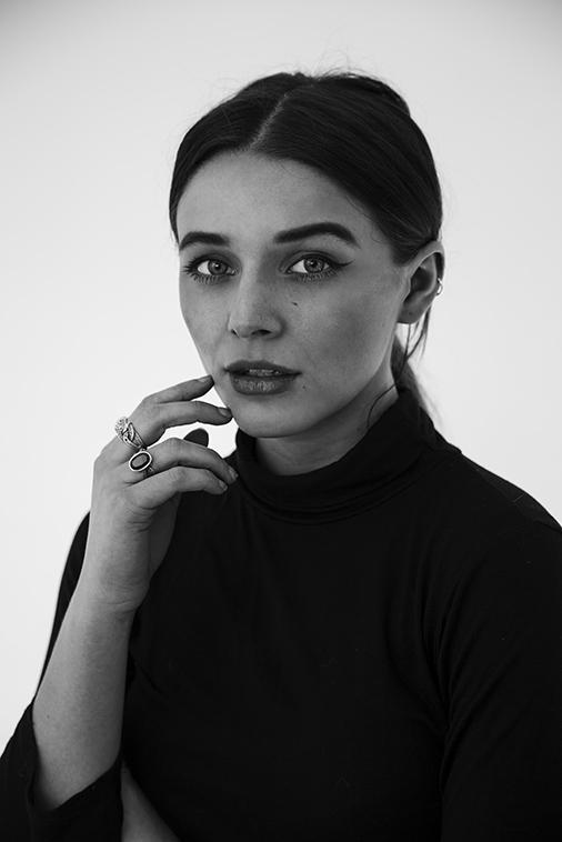 Female model photo shoot of Laura-JaneDoyle