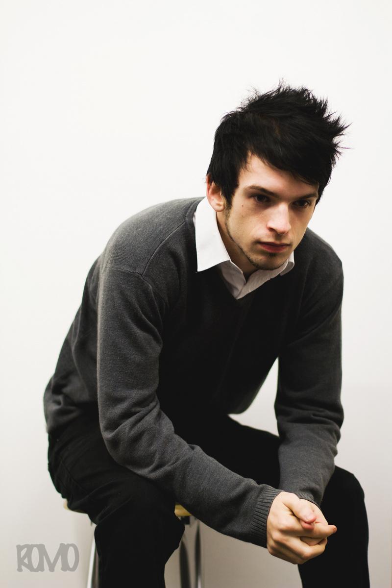Male model photo shoot of Ross Mowbray