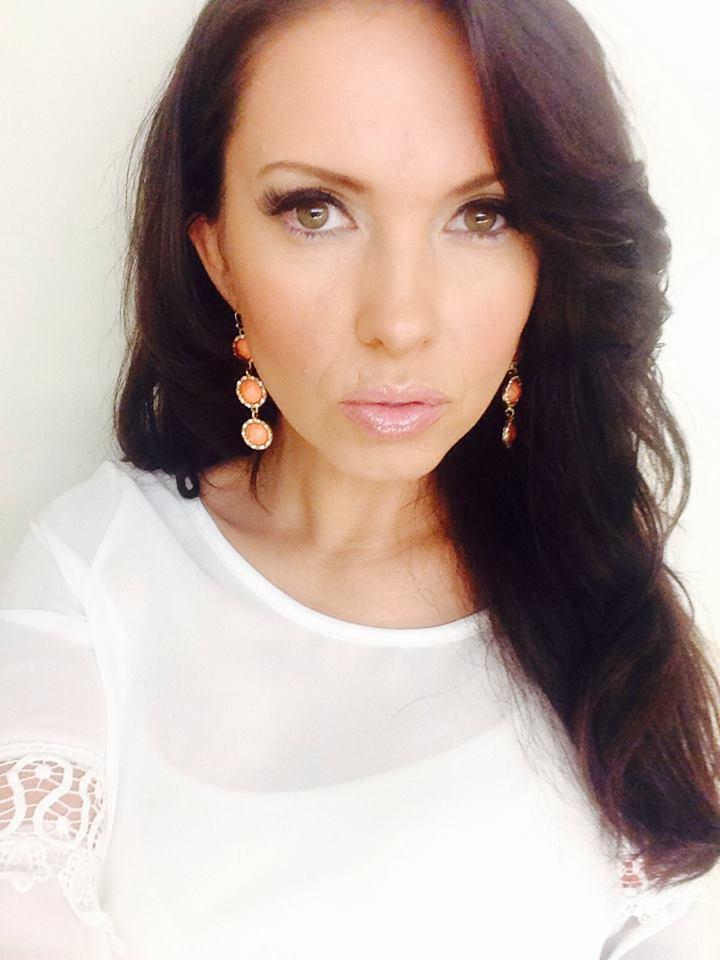 Female model photo shoot of Tia Lynn