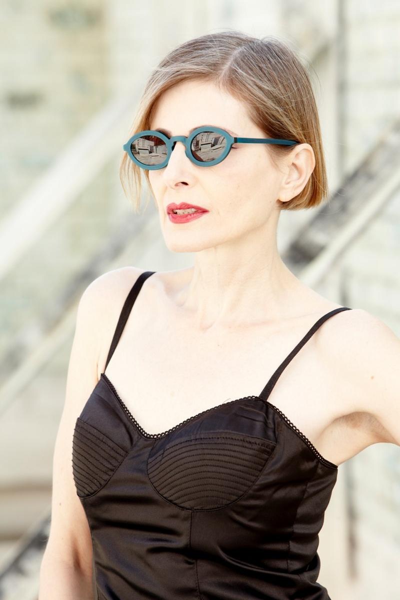 Female model photo shoot of Evelyne Bennu