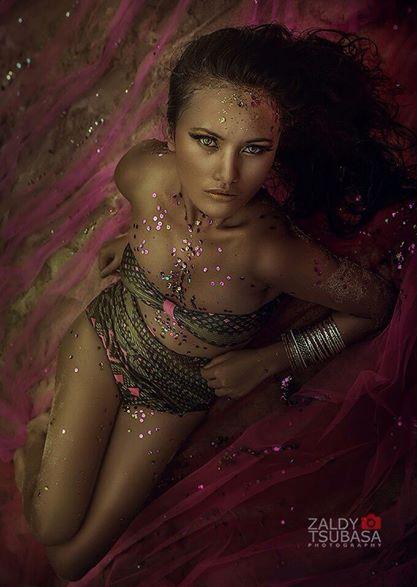 Female model photo shoot of El Frida Manik in Bali, Indonesia