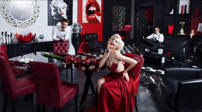 Female model photo shoot of Sarah Livingstone