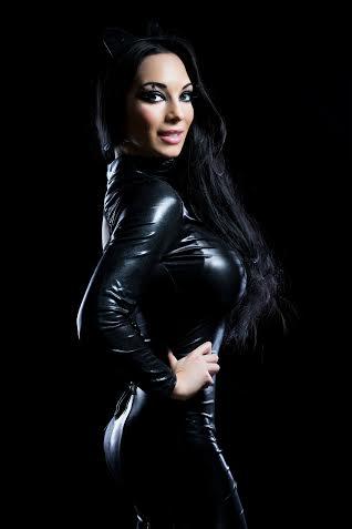 Female model photo shoot of Noreen Kelly MUA