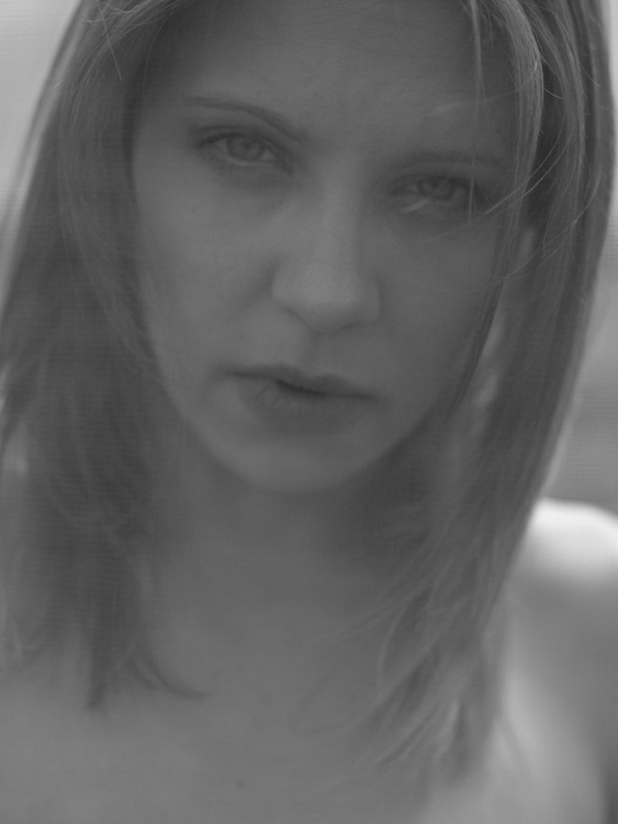 Female model photo shoot of Carolina D