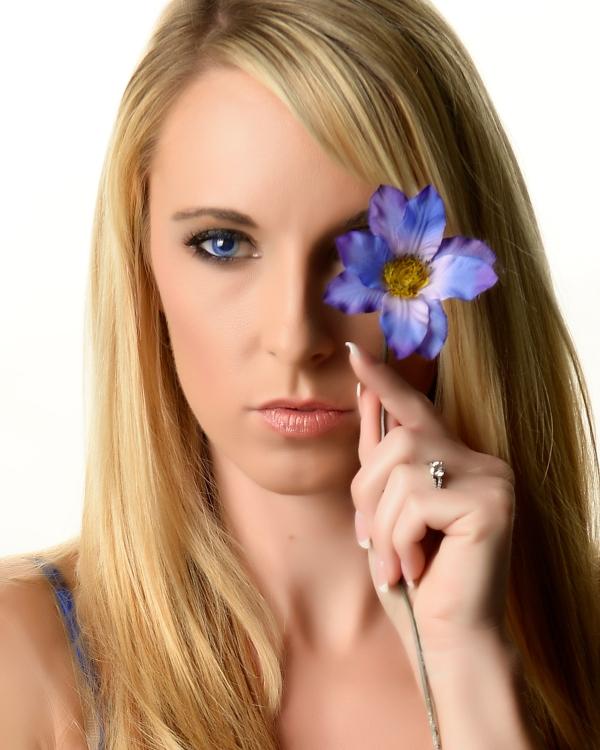 Female model photo shoot of Stephanie Gurne