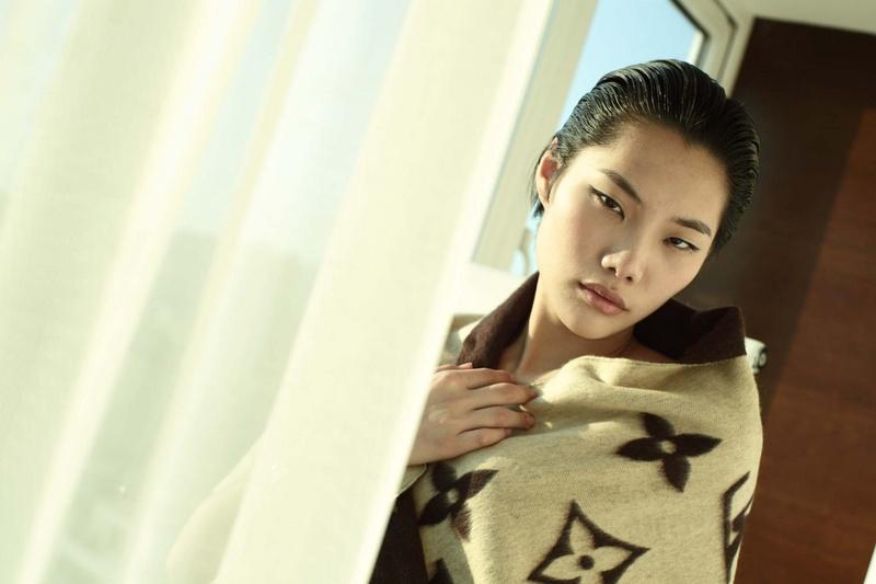Male model photo shoot of Aeronation