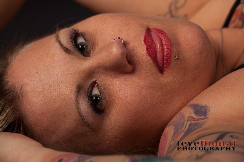 Female model photo shoot of Niki lynn 35 in Williamsport Pa