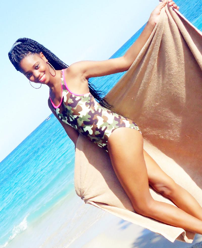 Female model photo shoot of Lashonda Edwards in Ocho Rios