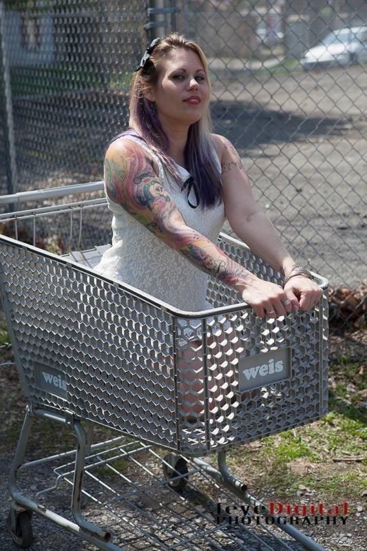 Female model photo shoot of Niki lynn 35
