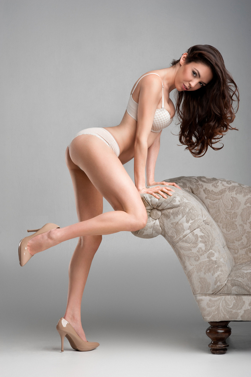 Female model photo shoot of Natalia Morris by ward