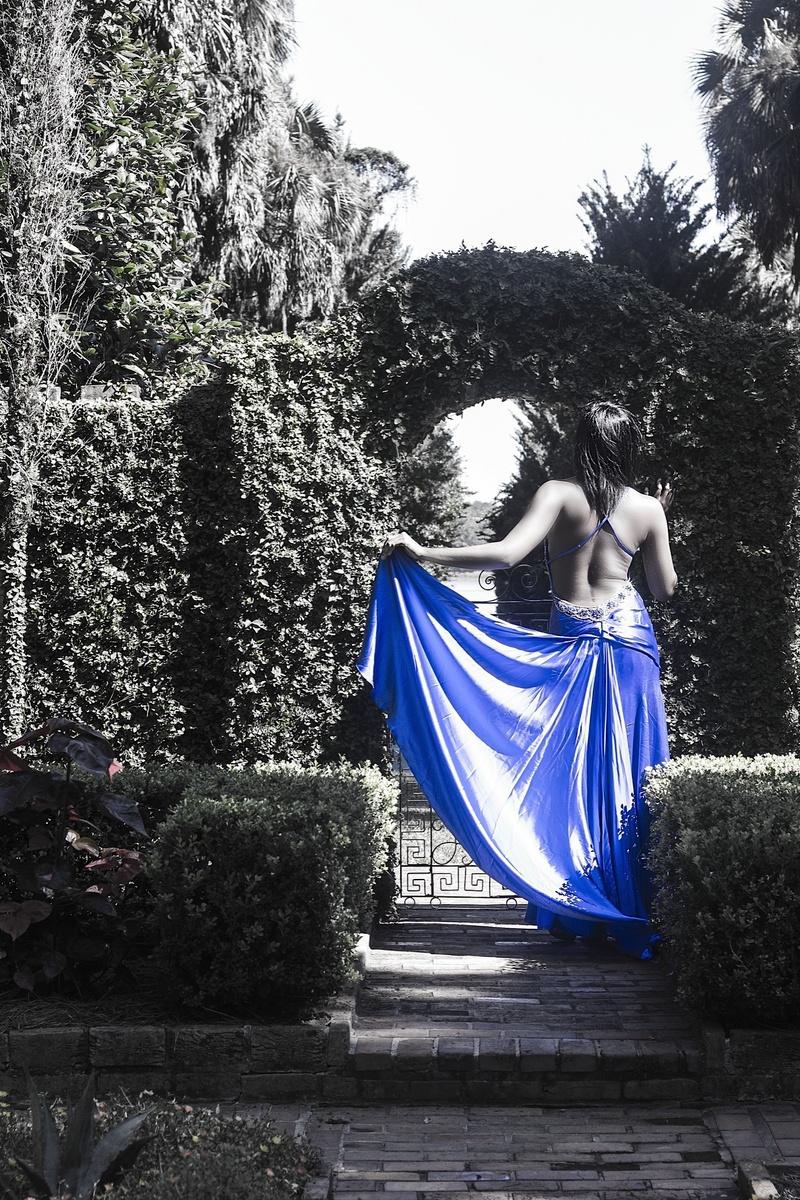 Male model photo shoot of NeonRed in Maclay Gardens