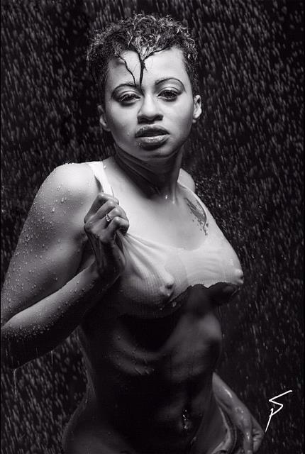 Female model photo shoot of Roxanne Booshay