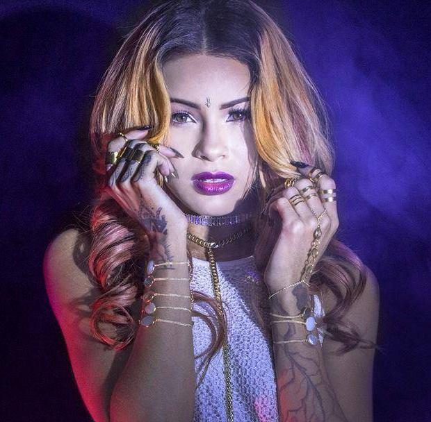 Female model photo shoot of Beauty DOLL in Los Angeles