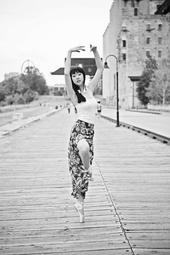 http://photos.modelmayhem.com/photos/140701/14/53b321c8b6bcc_m.jpg