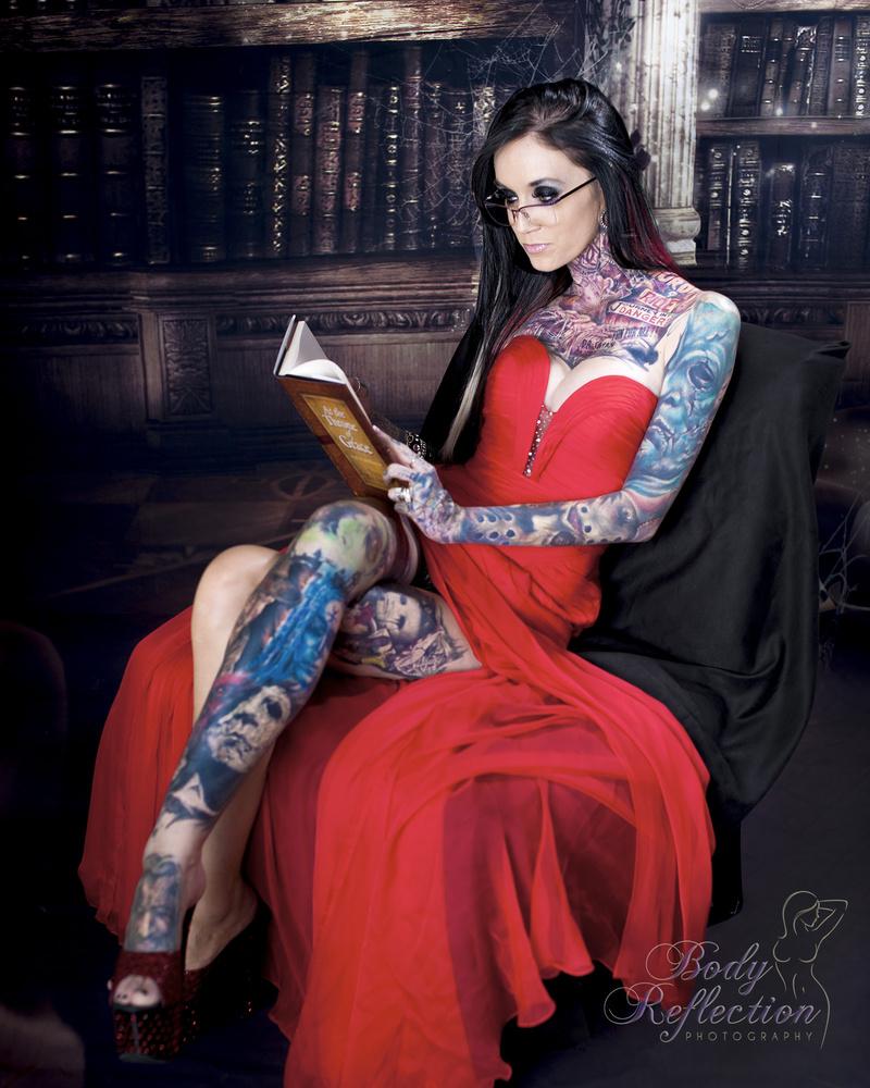 Female model photo shoot of Rachelle Nicole Hoffman by bodyreflection