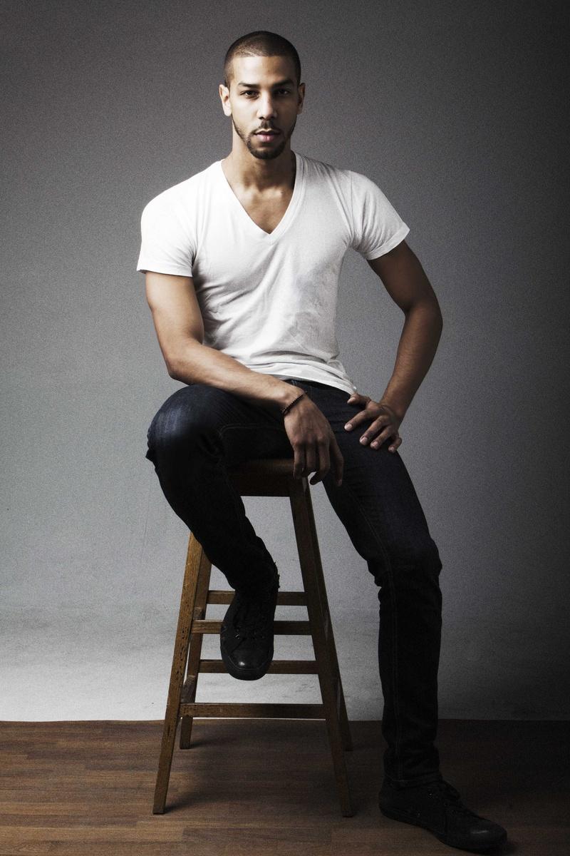 Male model photo shoot of Nathaniel Alexander