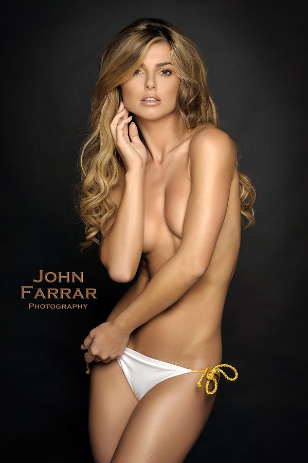 Female model photo shoot of Karolina B