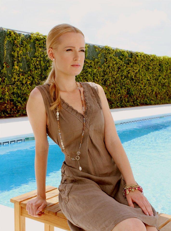Female model photo shoot of Julia Diaz
