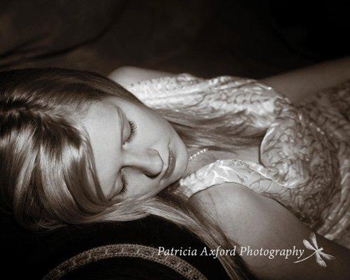 Female model photo shoot of kelephant