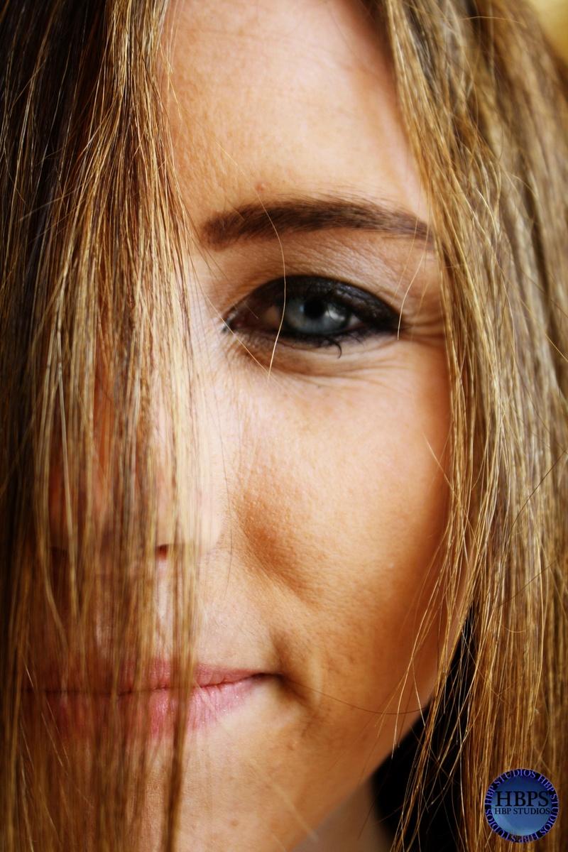 Female model photo shoot of Jessy VonEpic