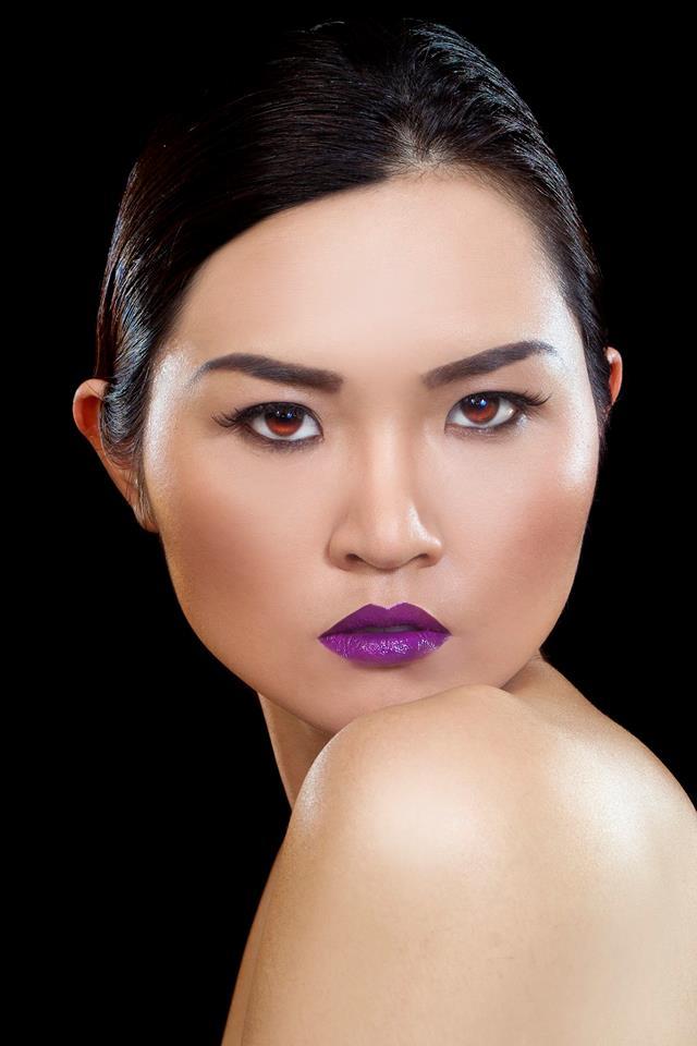 Makeup Artist do my assigment